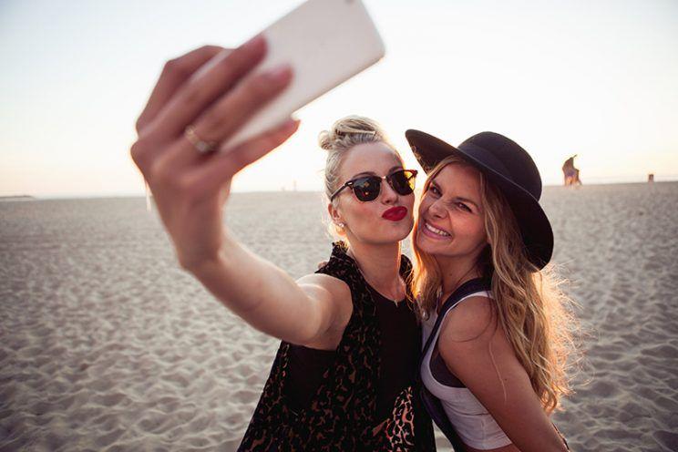 selfie girls