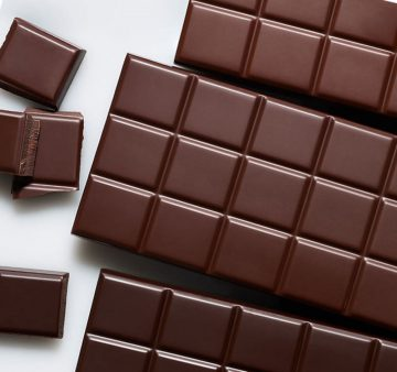 7 Surprising Health Benefits Of Dark Chocolate